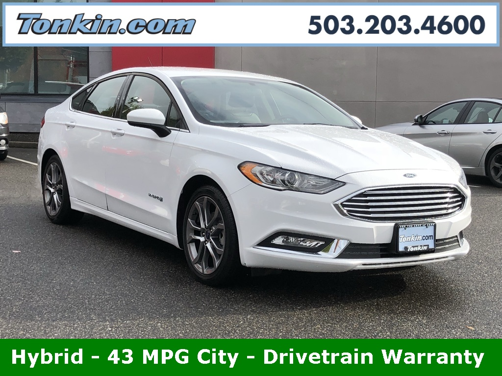 Pre owned 2017 ford fusion hybrid se hybrid